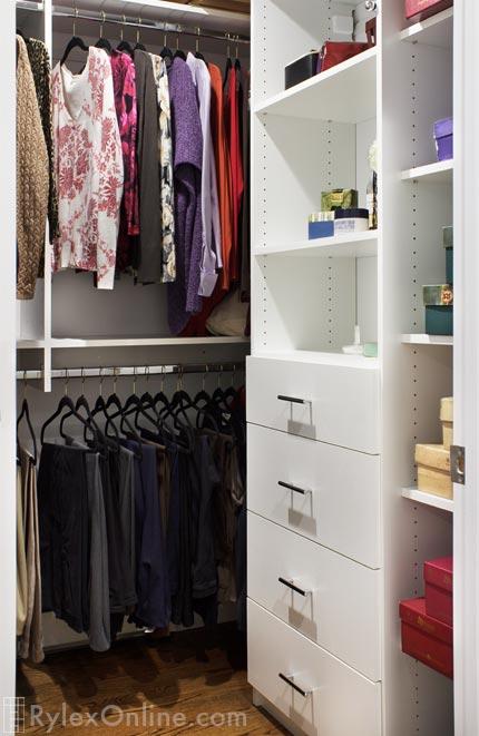 Superb ... Compact Functional Walkin Closet