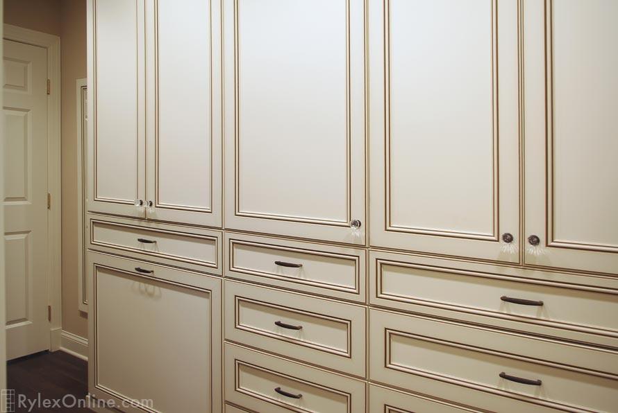 Master Bedroom Walk In Closet, Raised Panel Bedroom Cabinets
