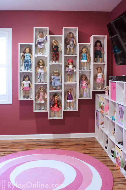 Attirant Customizable Collectible Doll Display Cases ...
